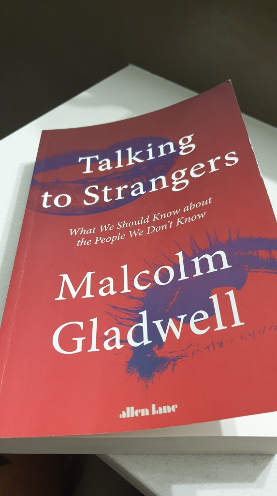 Paperback only book review | Talking to Strangers: What We Should Know  about the People We Don't Know – Mental Doodad